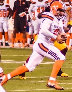 Former Browns quarterback Johnny Manziel scrambles against the Washington Redskins on August 13, 2015.
